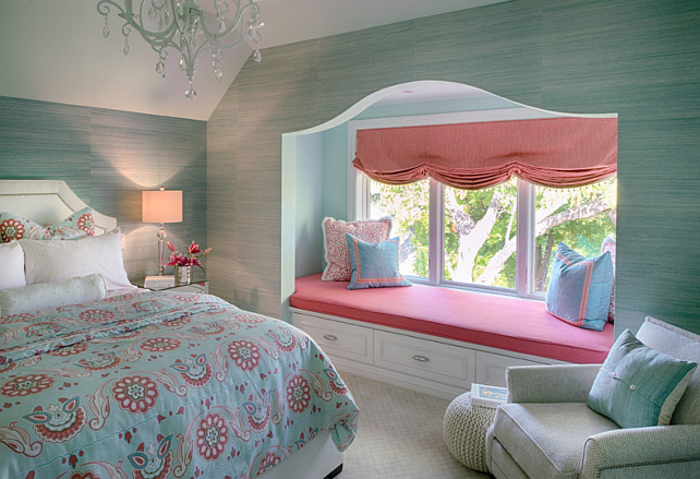 Turquoise Interior Design Ideas. Turquoise Bedroom with rafia wallpaper. #Turquoise #TurquoiseInteriors #RafiaWallpaper Studio M Interiors