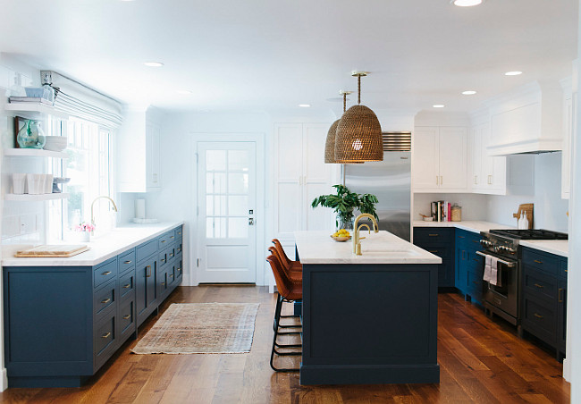 Two-Toned Kitchen. Navy and white Two-Toned Kitchen. Two-Toned Kitchen Trend. Two-Toned Kitchen Paint Color. #TwoTonedKitchen Studio McGee.
