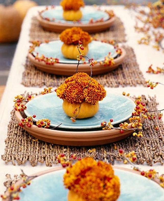Easy thanksgiving decorating ideas home bunch interior for Thanksgiving dinner decoration ideas