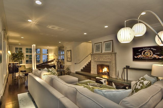 John lennon s house for sale home bunch interior design for Living room jazz los angeles