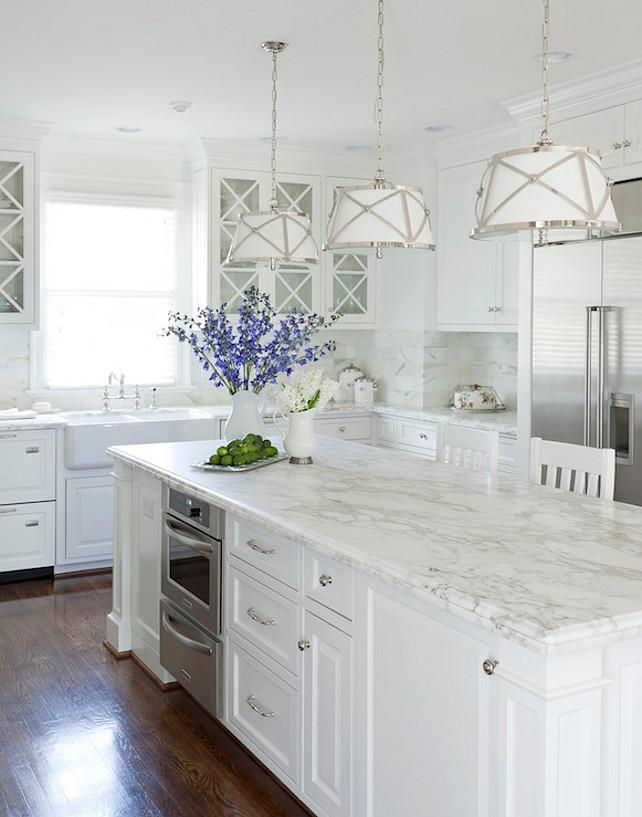White Dove Cabinet. White Dove Kitchen Cabinet.  Benjamin Moore White Dove.  #BenjaminMooreWhiteDove