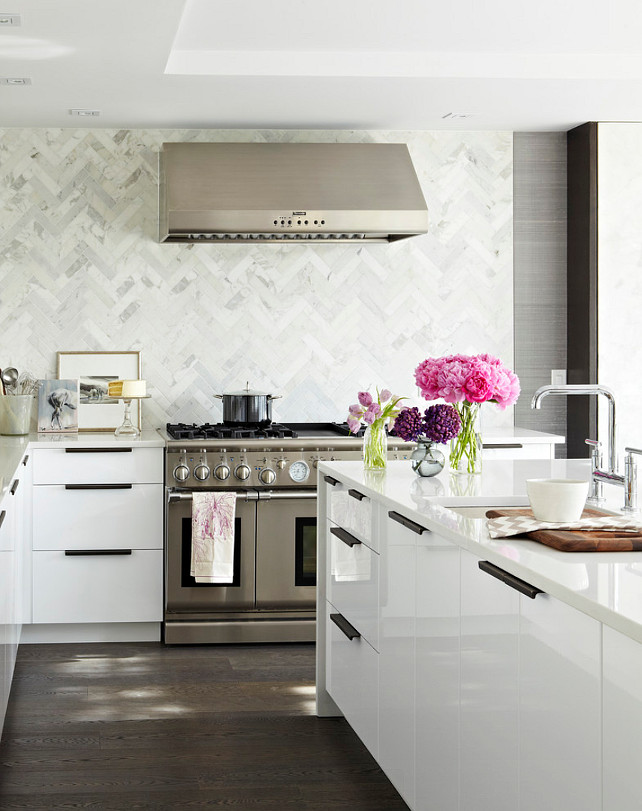 White Kitchen Backsplash. White Kitchen Backsplash Ideas. Herringbone Marble Backsplash on white kitchen. #WhiteKitchen #Backsplash #WhiteKitchenBacksplash #HerringboneBacksplash #HerringboneMarbleBacksplash Croma Design Inc.