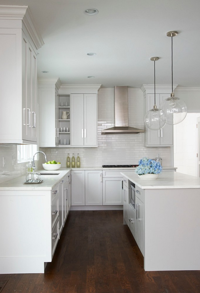 White Kitchen. Clean Line White Kitchen #WhiteKitchenDesign #CleanLineKitchen Calla McNamara Interiors