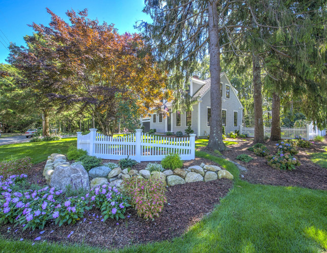 White Picket Fence Home. Garden and Picket fence. Home with white picket fence and beautiful gardens. #PicketFence #WhitePicketFence #gardens Sotheby's Homes.