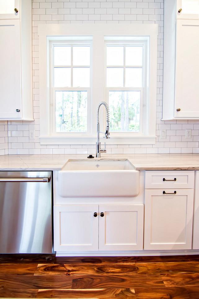 White Subway Tile Backsplash White Subway Tiles from counter to ceiling. #WhiteSubwayTileBacksplash   Glenn Layton Homes