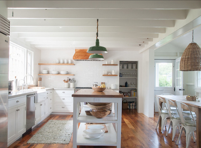 Kitchen Reno. Great ideas for casual, easy Kitchen reno! I am loving this causal kitchen! #Kitchen #KitchenReno #KitchenDesign