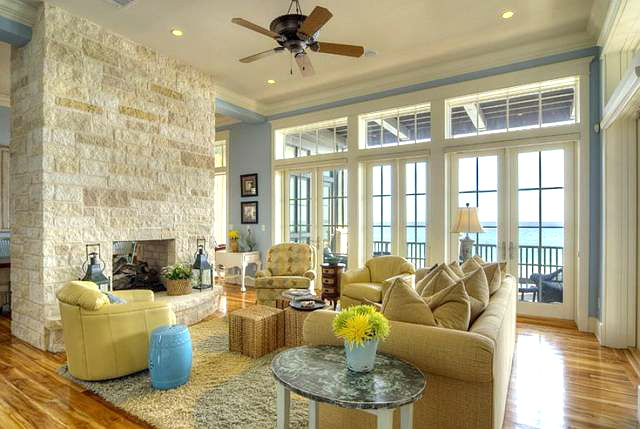 The Beach Blue House - Home Bunch – Interior Design Ideas