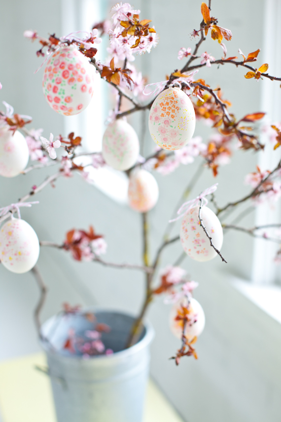 Hand Painted Easter Decor. Easter Egg Hand painted ideas. Easter Eggs
