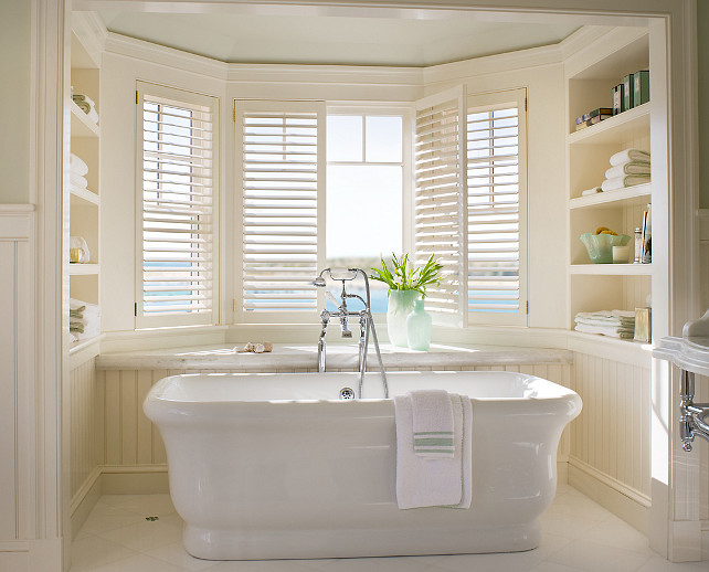 Freestanding Bathtub. This is a very classic, timeless choice for a freestanding bathtub. #bathtub #Freestanding