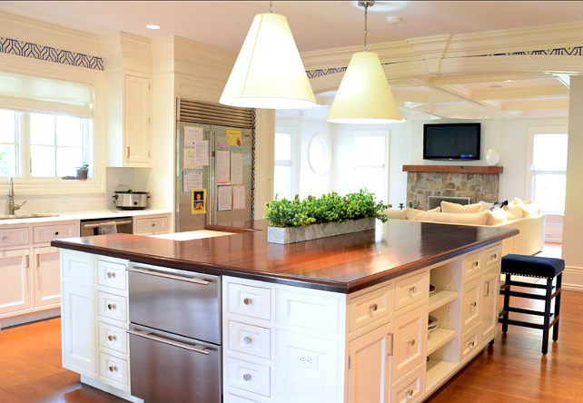 Kitchen Island Design ideas. This is a great kitchen design! #KItchen #Island