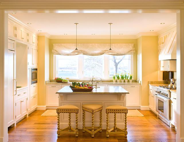 Kitchen. Great White kitchen design with inspiring reno ideas! #Kitchen #KitchenDesign