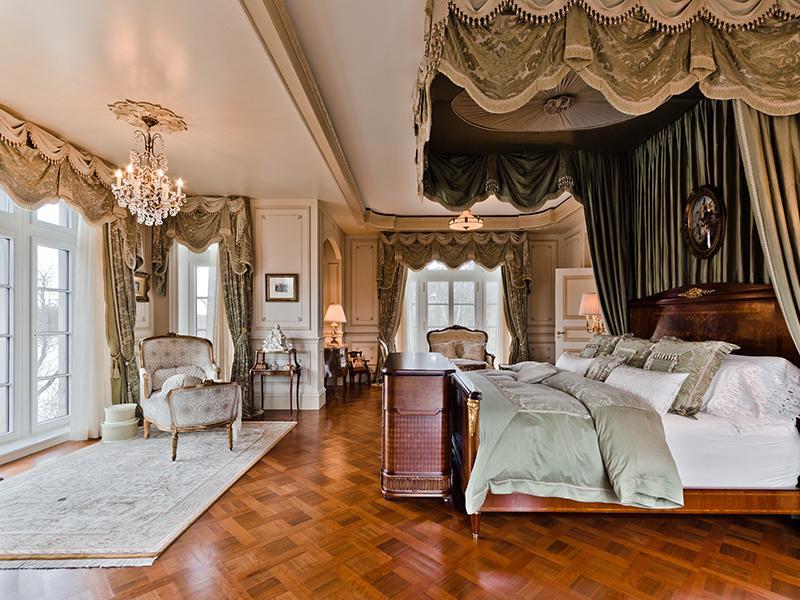 Celine dion s new house for sale home bunch interior for Celebrity master bedroom designs