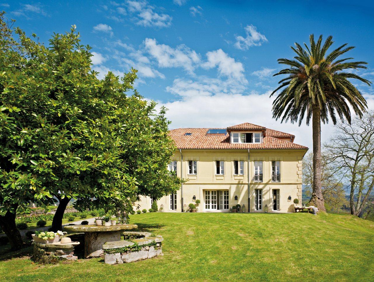 Restored farmhouse in spain home bunch interior design ideas for Jardin spanish