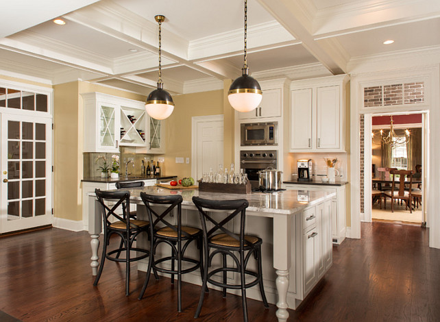 Transitional Kitchen Design: Tips to Get the Designer Look. This post shares the designer sources for all the materials for this transitional kitchen. Click to see more. #Transitional #Kitchen #KitchenDesign #Interiors
