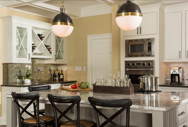 Kitchen Design Ideas. Great, warm kitchen design. Can see myself cooking in this kitchen! #Kitchen #KitchenDesign