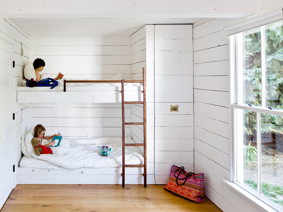 Cottage: Eco-Friendly - Home Bunch Interior Design Ideas