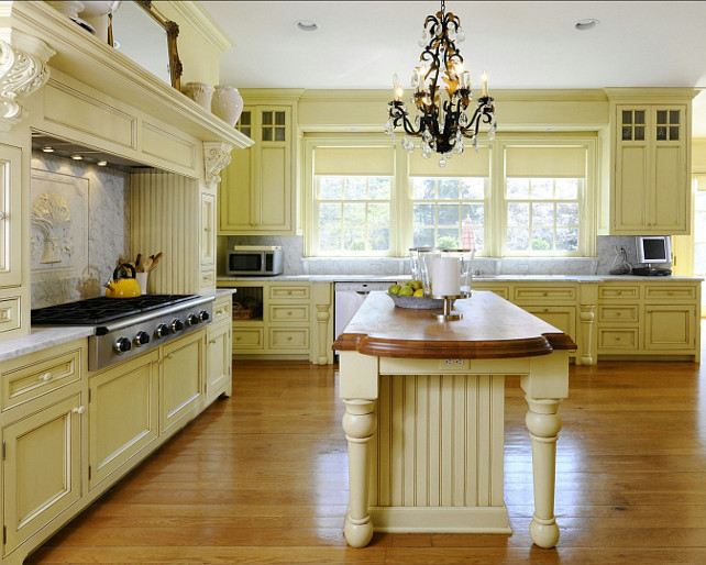 Yellow Kitchen Ideas. Traditional Yellow Kitchen Design. #Yellow #Kitchen