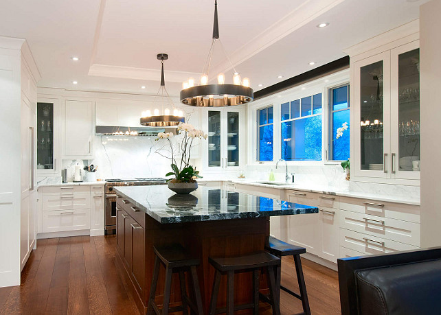 White Kitchen. This is a very modern and classy white kitchen. #WhiteKitchen