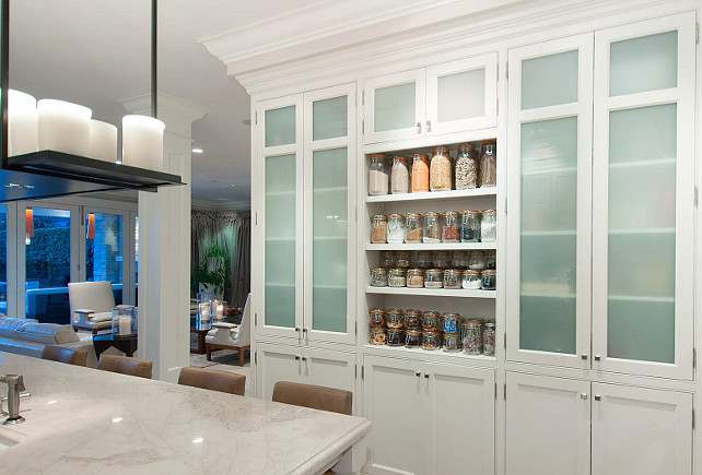 Kitchen Cabinet Ideas. Great Cabinetry in this kitchen. #Kitchen #Cabinets